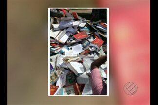 Livros didáticos de um programa federal de educação foram parar no lixo - Estudante registrou o caso com câmera de celular. O caso aconteceu em São Miguel do Guamá, no nordeste do estado.