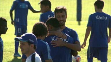 Dirceu dá adeus ao Londrina - O jogador vai jogar na Europa, em um time português.