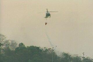 """Temporada de queimadas registra números altos na Região Serrana do Rio - Segundo o levantamento do Comando de área, os incêndios têm sido provocados pela própria população, com a prática ilegal de """"limpar"""" o terreno colocando fogo na vegetação."""