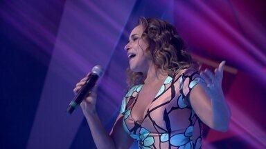 "Daniela Mercury canta ""Rainha do Axé"" na redação-estúdio do Fantástico - Daniela Mercury canta ""Rainha do Axé"" na redação-estúdio do Fantástico"
