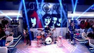 Banda Move Over abre o Encontro com 'Roar' - Sucesso de Katy Perry foi cantado pela banda na primeira temporada do SuperStar