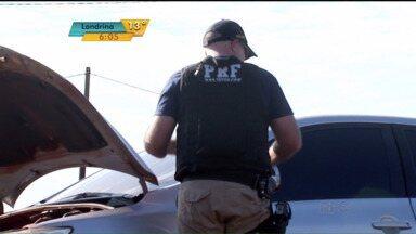 Operação Ágata completa nesta quarta uma semana na fronteira - Ação comandada pelo Exército atua em pontos estratégicos como nas pontes internacionais, na BR-277 e em estradas vicinais. Alvo são crimes como o contrabando e o tráfico de drogas e de armas.