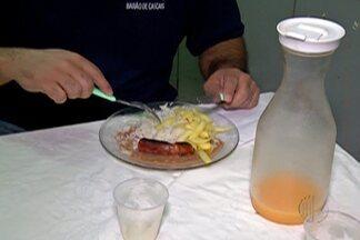 Com a alta da inflação, muitas pessoas estão levando comida de casa para o trabalho - Comer em restaurantes está 9,53% mais caro.
