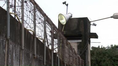 Ministério Público do Trabalho pede interdição da cadeia da delegacia de Maringá - Segundo a prefeitura da cidade a carceragem não tem documentação necessária para funcionamento