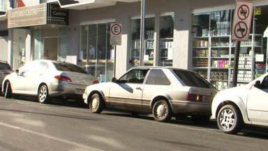 União da Vitória já está há um mês sem o serviço do Estar - Por causa disso, uma das dificuldades tem sido encontrar vagas pra estacionar. O comércio também está sentindo com a falta do serviço.