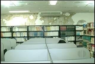 Más condições do prédio da Uenf em Campos, RJ, é alvo de reclamação de alunos - Eleições para reitoria acontece no próximo mês.