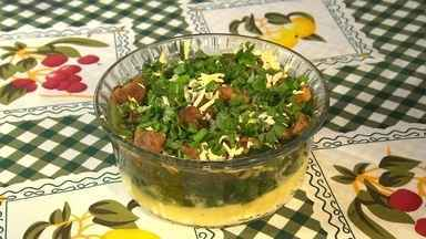 Em Igarapé, conhecimento de cozinheiras se transforma em pratos fáceis de fazer - Aprenda a preparar um prato com ingredientes vindos do quintal.
