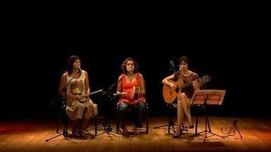 """Projeto Elas mostra trabalho de cantoras e compositoras mineiras de diferentes gerações - Neste domingo, Globo Horizonte apresenta repertório com canções como """"Quarto azul"""" e """"Mulher rendeira""""."""