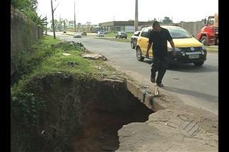 Comunidade pede obras em ponte no bairro do Coqueiro - Situação de ponte deixa moradores sem acesso à rua.