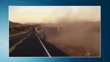 Internauta flagra tombo de caminhão em estrada no Ceará - Acidente foi filmado por cinegrafista amador.