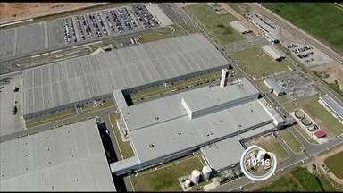 Trabalhadores da Ford de Taubaté voltam de férias coletivas - Funcionários representam 80% do efetivo da fábrica.