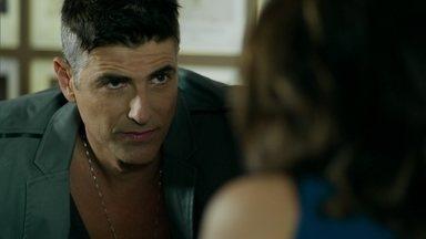 Anthony ameaça Fanny - Modelo afirma que não esqueceu que Angel foi amante de Alex