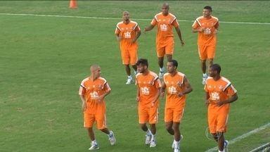 Fluminense inicia a preparação para jogo com Avaí sem a presença de Fred e Ronaldinho - Torcedores estão confiantes em mais um título brasileiro.