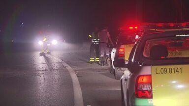 Assaltos na Rodovia Padre Manoel da Nóbrega estão preocupando motoristas - Bandidos colocam obstáculos na rodovia para praticar crimes.