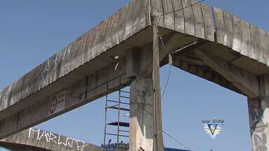 Trecho da Rodovia Padre Manoel da Nóbrega será interditado para obras - Passarela sofrerá reforma na altura da cidade de Mongaguá.