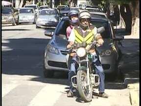 Mototaxistas de Governador Valadares não conseguem legalizar atividade - Cerca de 70 pontos estão com alvarás provisórios.