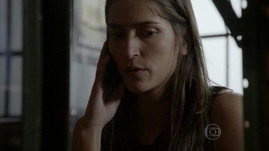 Nat diz a Lobão que fingiu desmaio - Luiz questiona a sinceridade de Nat e Lobão perde a paciência com o cúmplice