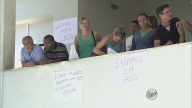 Servidores de posto de saúde de Pouso Alegre (MG) entram em greve por tempo indeterminado - Servidores de posto de saúde de Pouso Alegre (MG) entram em greve por tempo indeterminado