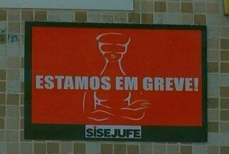 Justiça Federal completa 55 dias de greve em Petrópolis, no RJ - Na cidade, somente os atendimentos de urgência são realizados.