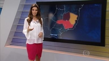 Alerta de tempo seco está mantido no Noroeste e Norte de Minas - São Romão foi a cidade mais seca do estado nesta terça-feira (4).