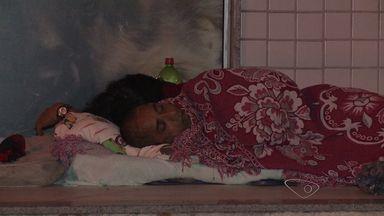 G1 e TV Gazeta passam noite com moradores de rua que lutam por abrigo no ES - 60 pessoas têm lugar para passar o dia, mas à noite ficam sob marquises.Prefeitura da Serra disse que teve dificuldades para alugar imóvel.