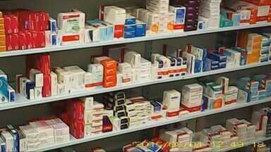 Farmácias não entregam bulas de medicamentos soltos e descumprem determinação da Anvisa - Farmácias não entregam bulas de medicamentos soltos e descumprem determinação da Anvisa