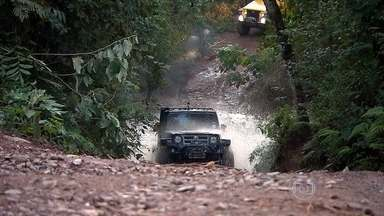 Jipeiros aproveitam as montanhas de Minas para radicalizar - São caminhos esburacados, morros, lama, aventura.