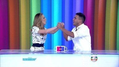 Ana Furtado e André Marques assumem a bancada do Vídeo Show - Apresentadores do É de Casa apresentam o programa