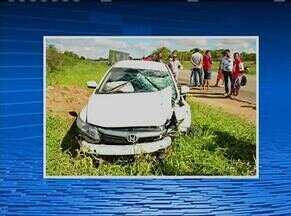 Homem morre após colisão entre moto e carro na PE-177, em São João - De acordo com a PM, carro teria feito ultrapassagem pela contramão quando atingiu o outro veículo.