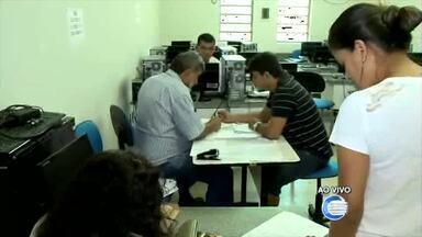 Estudantes da Uespi reclamam de sistema da internet em realização de matrículas - Estudantes da Uespi reclamam de sistema da internet em realização de matrículas