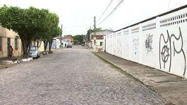 Professora sofre tentativa de sequestro na porta de escola em Aracaju - Professora sofre tentativa de sequestro na porta de escola em Aracaju
