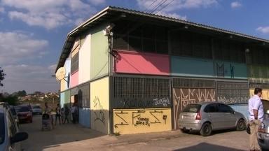 Diferença entre a melhor e a pior escola do ranking do Enem é gigantesca - No fim da lista ficou a escola estadual Professor Sérgio Murilo Raduan, com 466,3 de média. O SPTV visitou a escola que tirou a pior média do Enem na cidade de São Paulo.