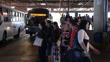 Polícia intensifica patrulhamento nos terminais de ônibus, em Goiânia - População está assustada com número de assaltos na capital.