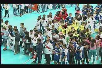 Uberaba sedia Jogos Escolares de Minas Gerais - Competição recebe atletas de várias modalidades que buscam conquistar medalhas. Abertura oficial ocorreu na noite de terça-feira (4)