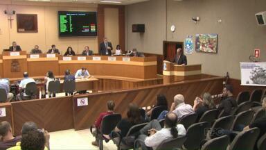Projeto de redução de comissionados causa rebuliço na Câmara de Vereadores - Durante a sessão de terça-feira os vereadores se posicionaram contra a redução dos cargos comissionados na prefeitura.