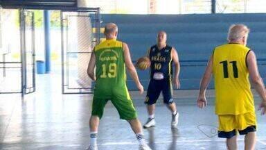 Capixabas são chamados para a seleção brasileira de basquete - Mais novo tem 48 anos e o mais velho, 72.