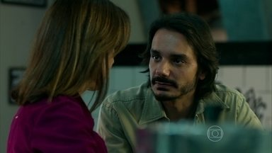 Joel pede Darlene em casamento - Professora fala sobre segredo de Hilda