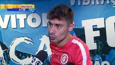 Esporte: jogadores do Inter falam sobre derrota em clássico Gre-Nal - Assista ao vídeo.
