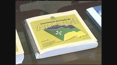 Amapá é o primeiro estado a lançar a legislação em braile - A partir de hoje, os deficientes visuais do Amapá poderão ter acesso a legislação, pois o estado é o primeiro do Brasil a possuir o livro da constituição toda em braile.