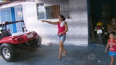 Moradores de Abreu e Lima estão assustados com o número de assaltos - Segundo moradores, os bandidos a pé e em motos abordam as pessoas nas ruas de Caetés I e Caetés 2, a qualquer hora do dia.