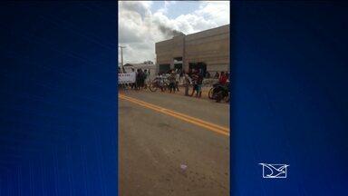 Moradores interditam BR-316 em Zé Doca e reivindicam redutores de velocidade na estrada - O repórter Hudson Brás esteve no local do protesto e, por telefone, informa os motivos e desdobramentos do protesto.