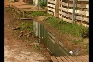 Moradores pedem obras de saneamento no Tapanã - Comunidade pediu prazo para resolução de problemas na área.