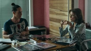 Fanny arma para prejudicar Giovanna no trabalho - Lourdeca e Visky marcam um encontro