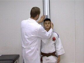 Atletas passam por exames para 'mapear' o corpo - Objetivo é saber os limites para melhorar desempenho.