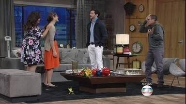 Cleber é apresentado a Joice - No entanto, ela leva alfinetada do rapaz