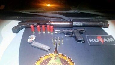 Policia apreende revolver e submetralhadora no DF - Os policiais da Rotam tiraram das ruas armas que estavam com dois adolescentes.