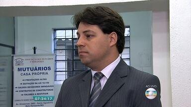 Associação orienta população na hora de comprar a casa própria - Veja a entrevista com o diretor da associação, Silvio Saldanha.