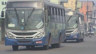 Paralisação de empresa de ônibus em Porto Velho é encerrada após acordo - Reunião de funcionários e direção da empresa ocorreu nesta quarta-feira (19).Funcionários alegaram que salário estava atrasando há cinco meses.