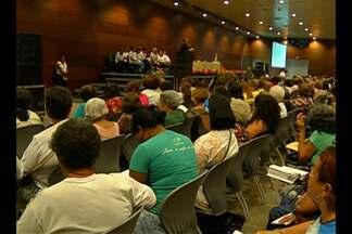 Integrantes de paróquias participam de encontro - Encontro prepara representantes para peregrinações do Círio.