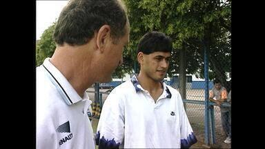 Paraguaio Arce chega ao Grêmio em 1995 - Lateral-direito foi apresentado ao técnico Luiz Felipe Scolari.